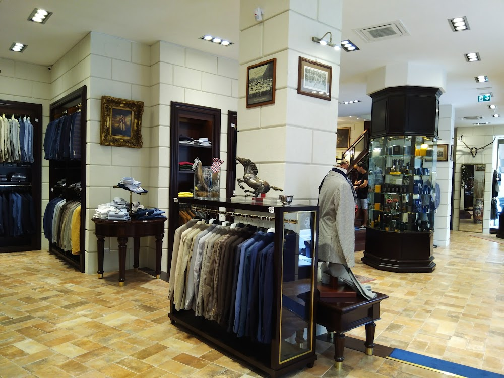 Old England Srl - Men\'s Store - Roma | Airbnb®